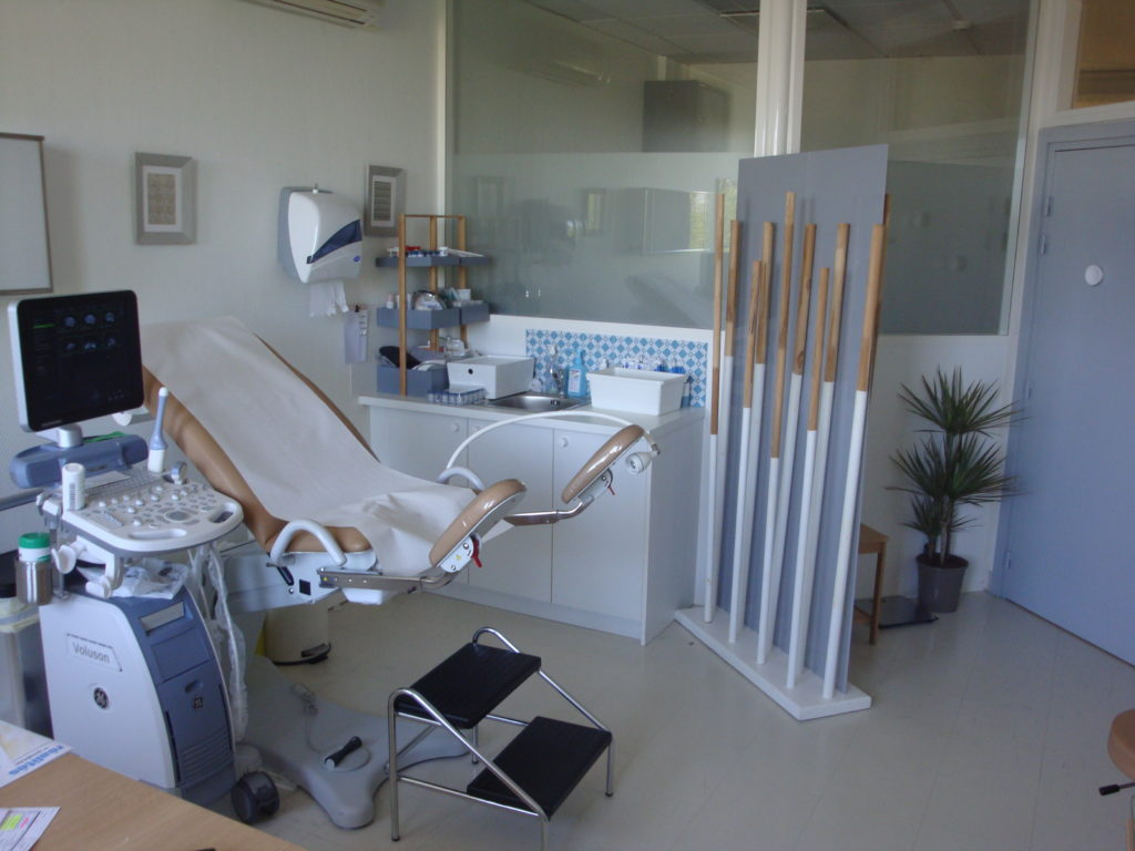 salle d'examen/ echographie pelvienne